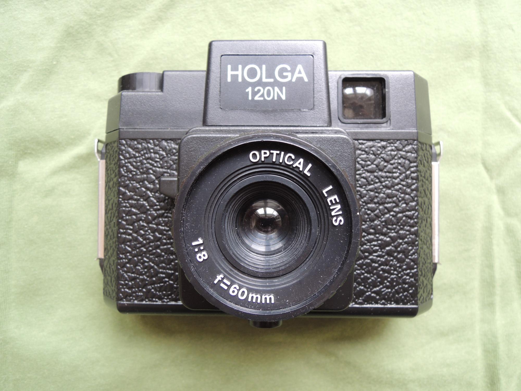 Holga 120N front
