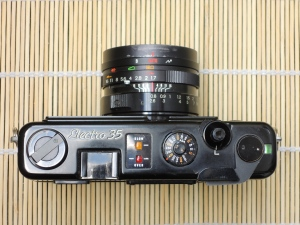 Yashica Electro 35 GT top