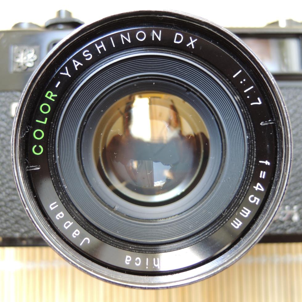 Yashica Electro 35 GT lens